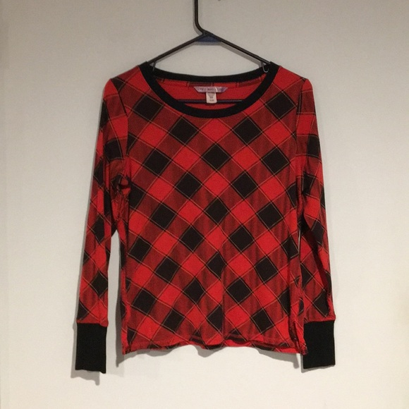 Victoria's Secret Other - Victoria's Secret Black and red thermal pajama top